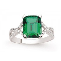 Stunning Silver Emerald Ring