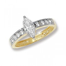 Stunning 9ct Yellow Gold Crystal Solitaire