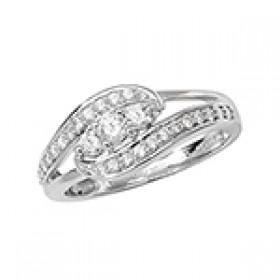 DIAMOND TRIPPLE STONE TWIST RING